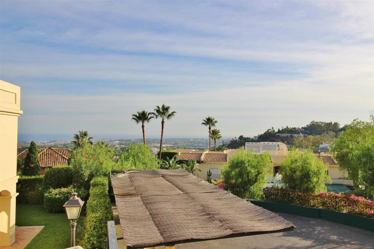 Townhouse for sale La Quinta Golf Benahavis Spain (26) (Large)