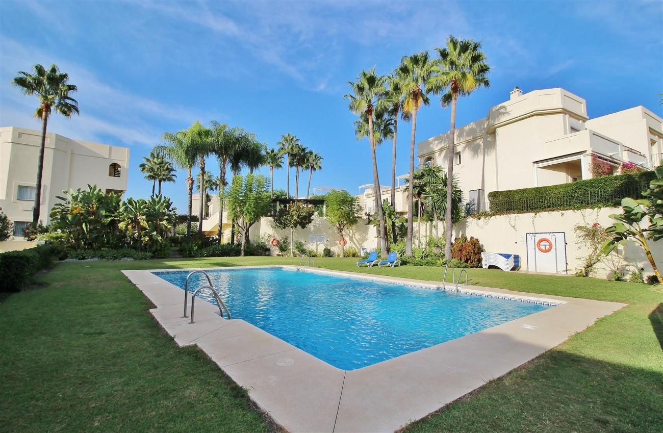 Townhouse for sale La Quinta Golf Benahavis Spain (27) (Large)
