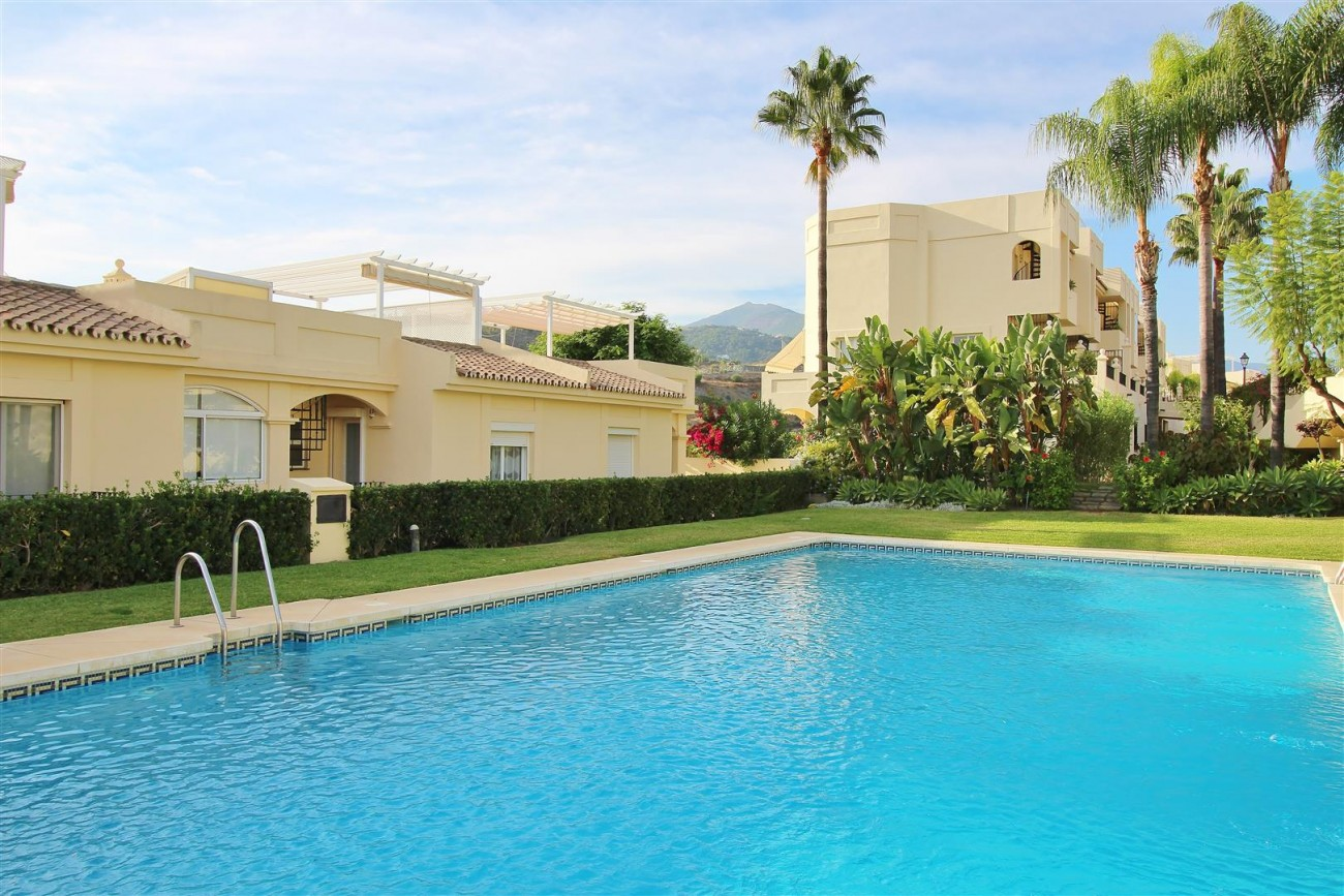 Townhouse for sale La Quinta Golf Benahavis Spain (29) (Large)
