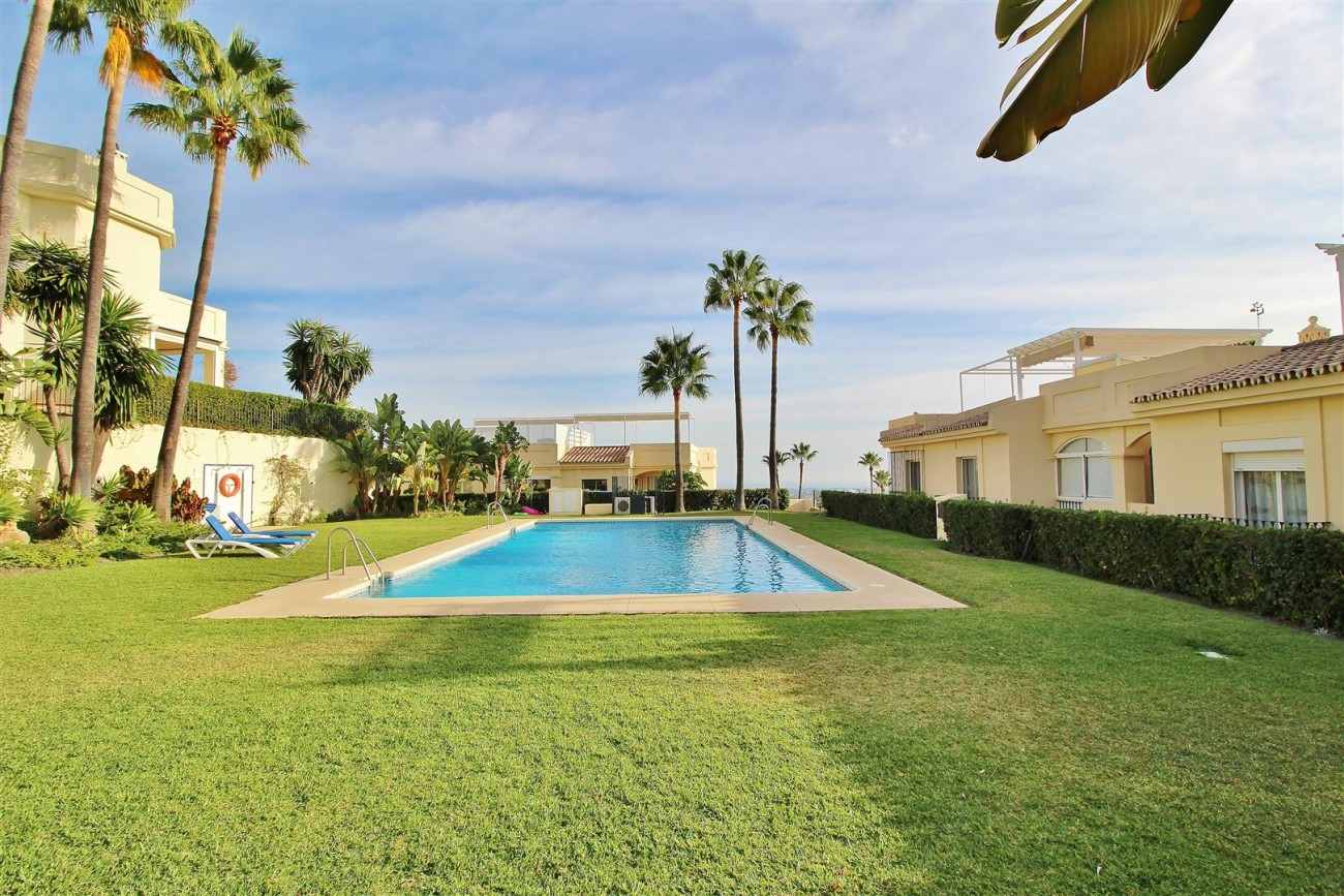 Townhouse for sale La Quinta Golf Benahavis Spain (30) (Large)