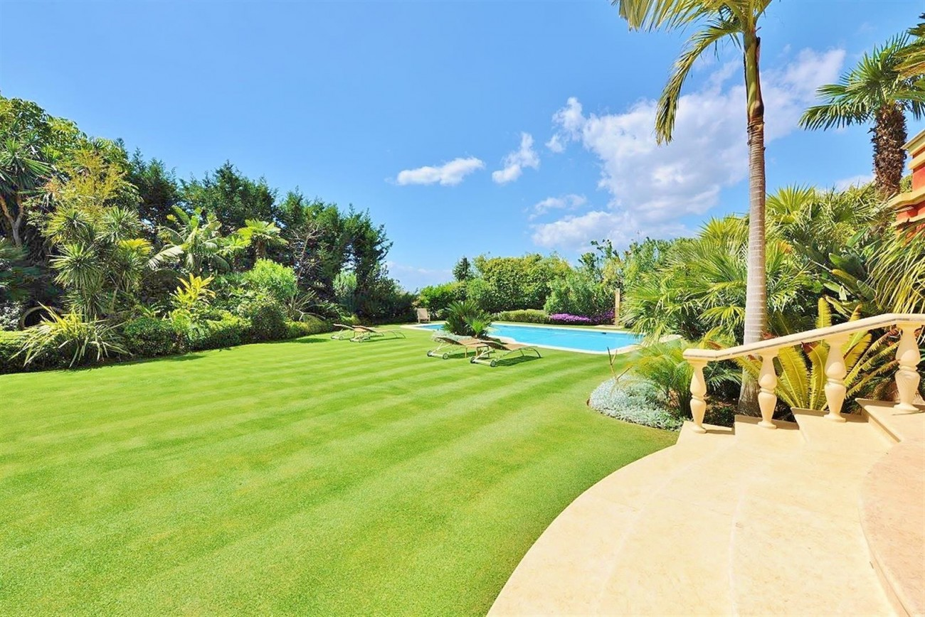 V5239 Luxury Villa Marbella Golden Mile  (5) (Large)