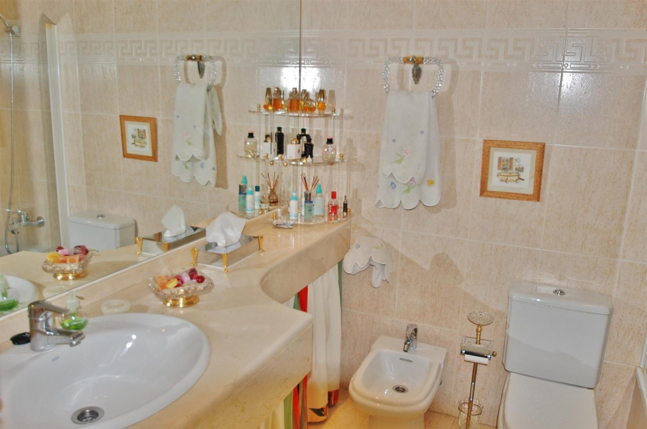 A5252 Apartment Golden Mile Marbella (9) (Large)