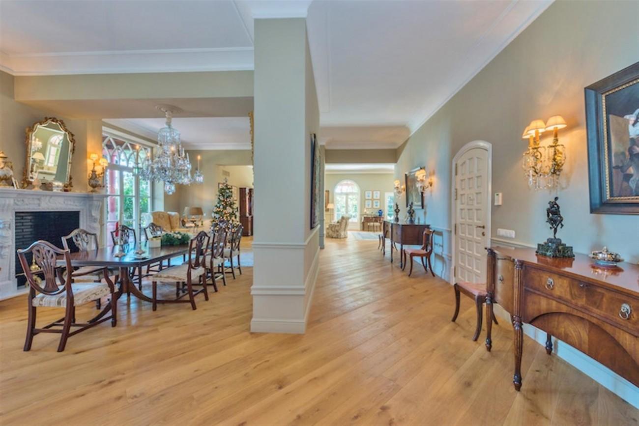 V5254 Luxury villa Marbella 3 (Large)