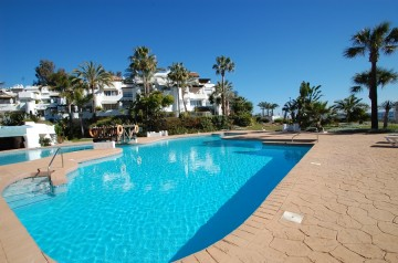 698869 - Penthouse for sale in Puerto Banús, Marbella, Málaga, Spain