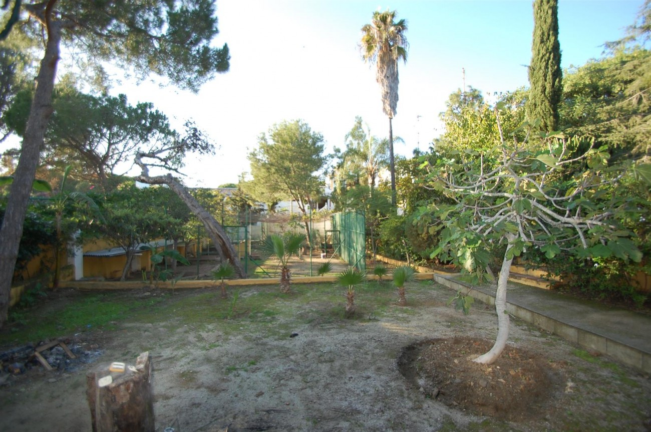 P5264 Plot Elviria East Marbella (8) (Large)