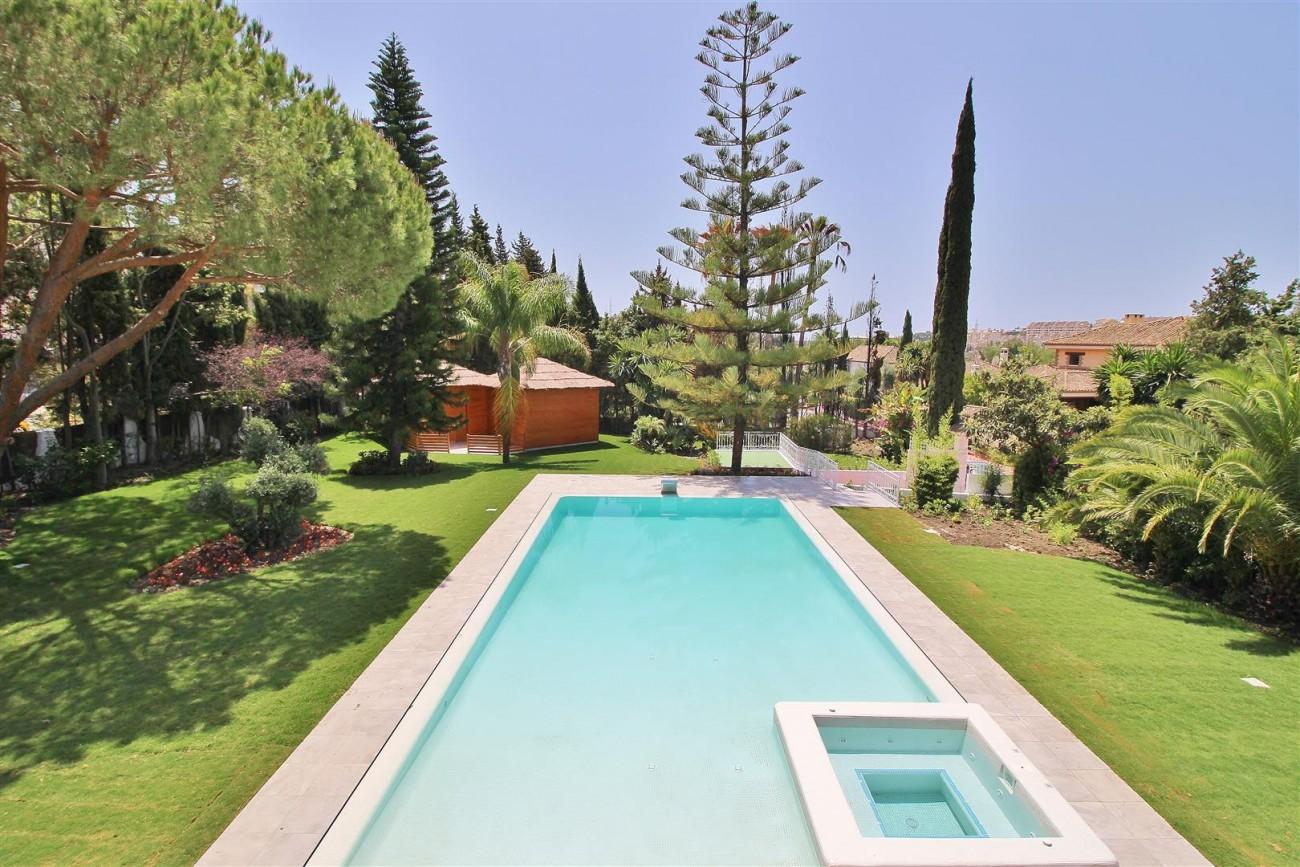 V5271 Luxury Villa for sale in Nueva Andalucia Marbella Spain (7)