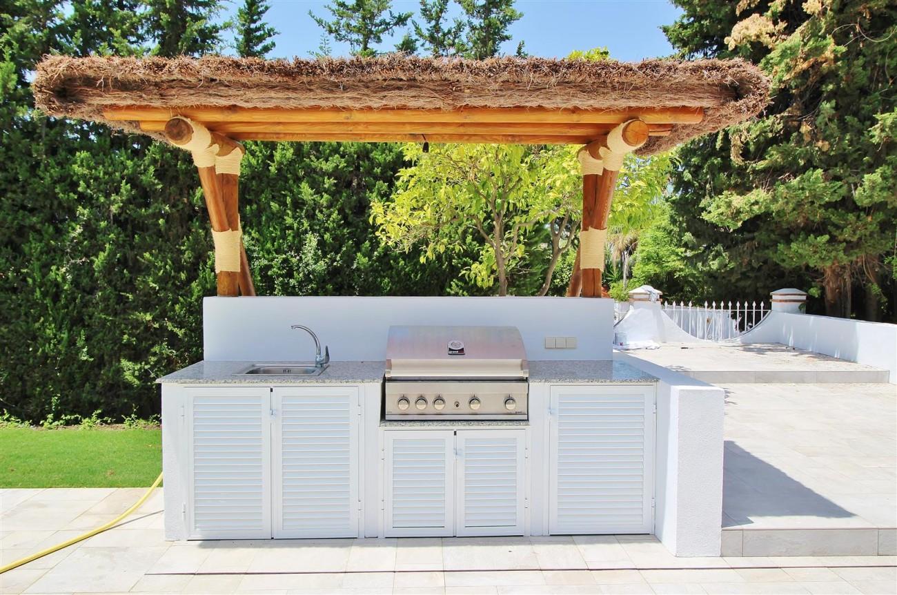 V5271 Luxury Villa for sale in Nueva Andalucia Marbella Spain (8)