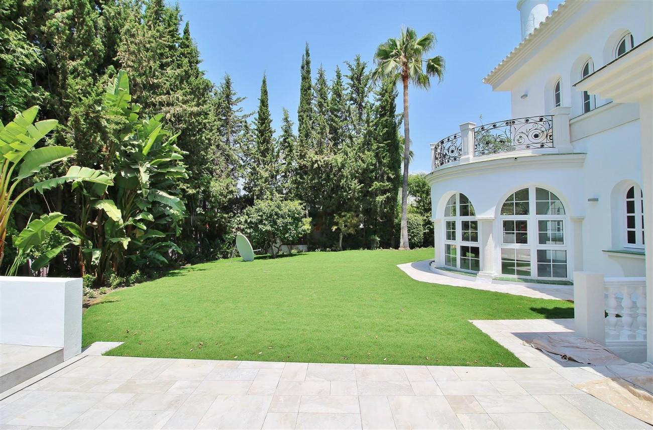 V5271 Luxury Villa for sale in Nueva Andalucia Marbella Spain (9)