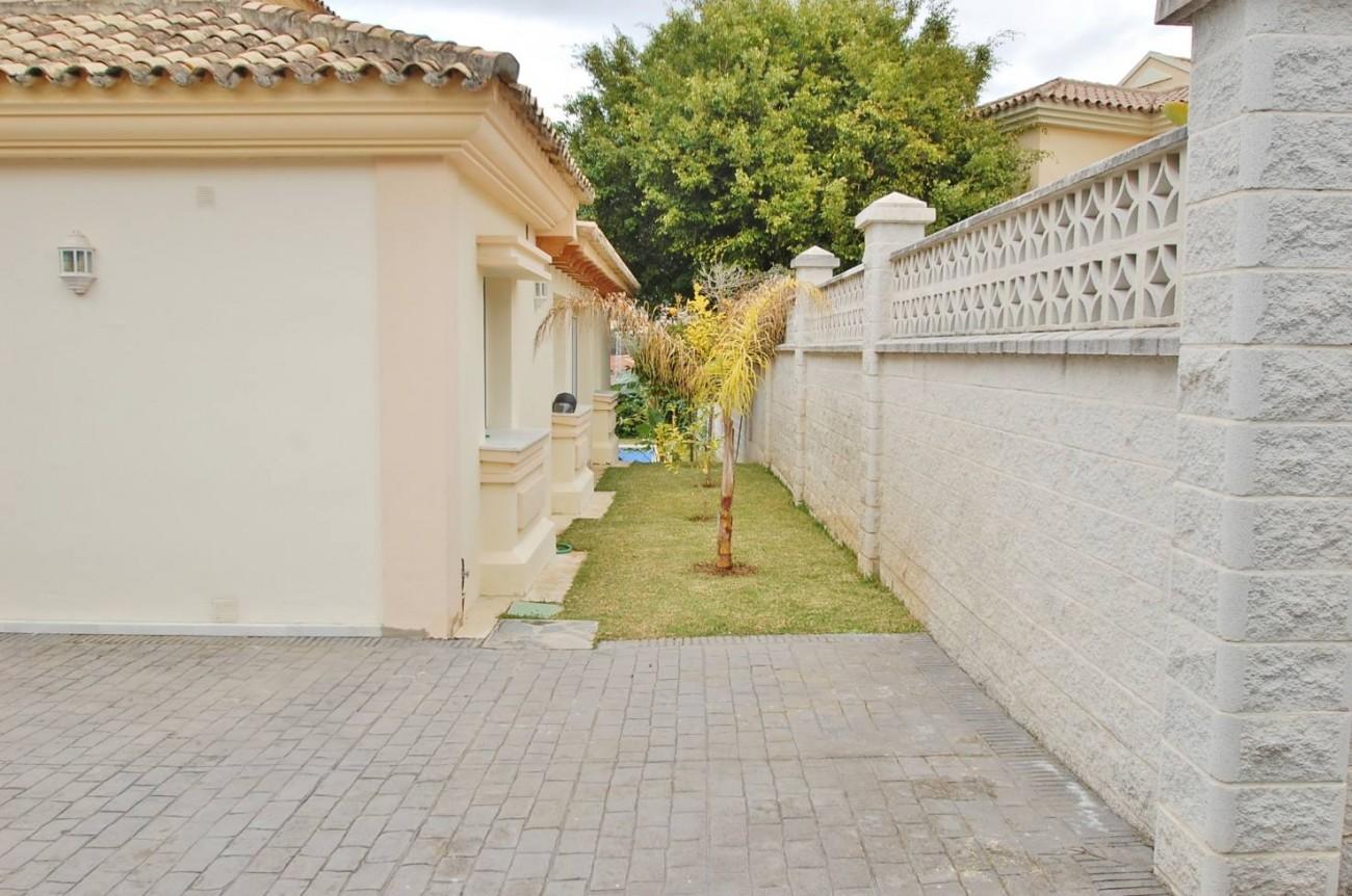 V5277 Villa Nueva Andalucia 17