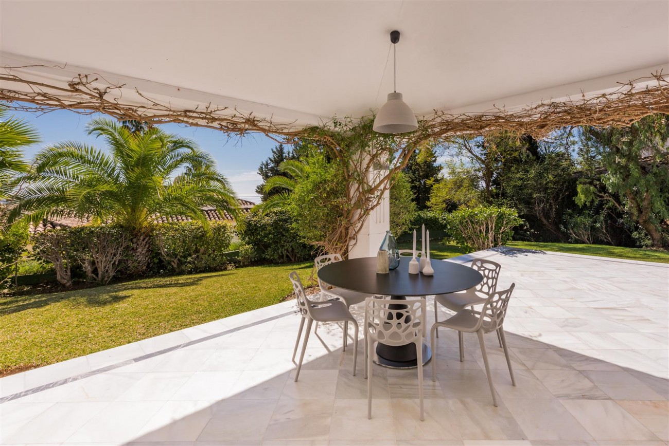 Luxury villa Marbella Golden Mile Spain (23) (Large)
