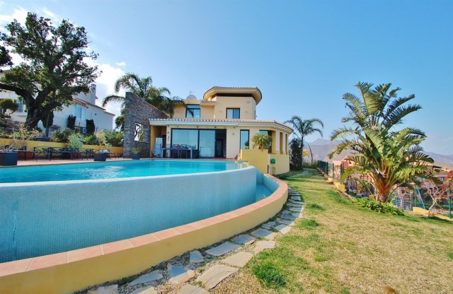 Villa for Sale - 1.095.000€ - La Mairena, Costa del Sol - Ref: 5302