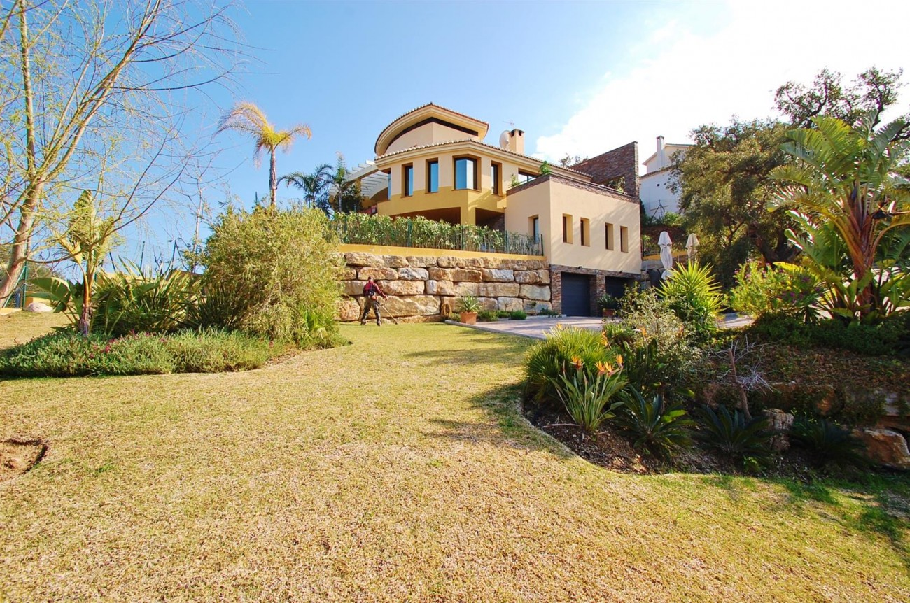 V5302 Villa La Mairena 15 (Large)