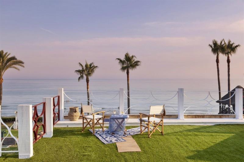 V5303 Frontline beach Villa East Marbella (3)