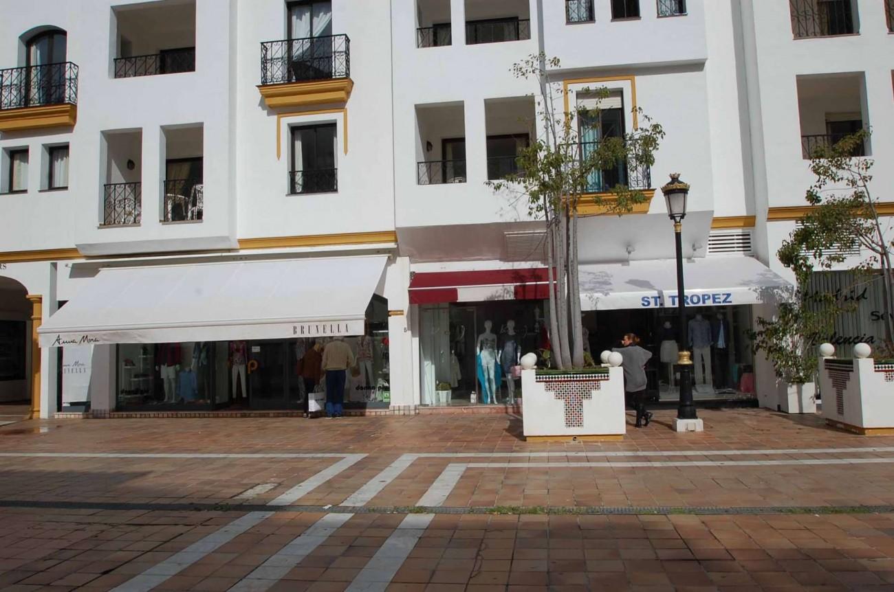 C5304 Commercial Puerto Banus 4