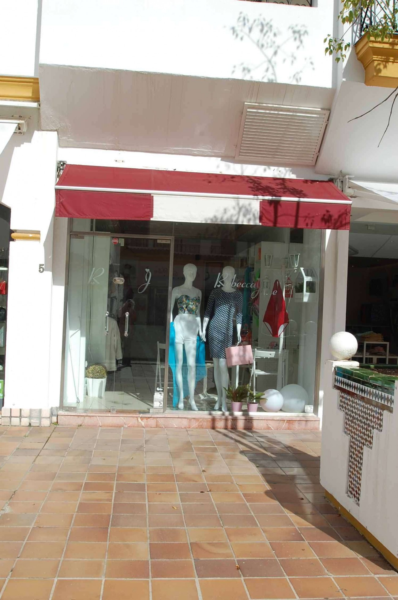C5304 Commercial Puerto Banus 6