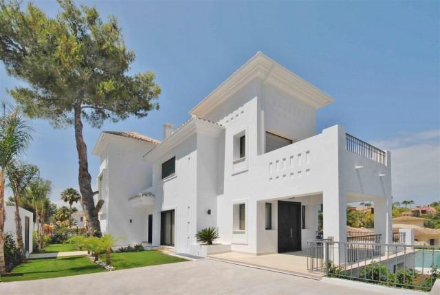Villa for Sale - 3.300.000€ - Nueva Andalucía, Costa del Sol - Ref: 5323