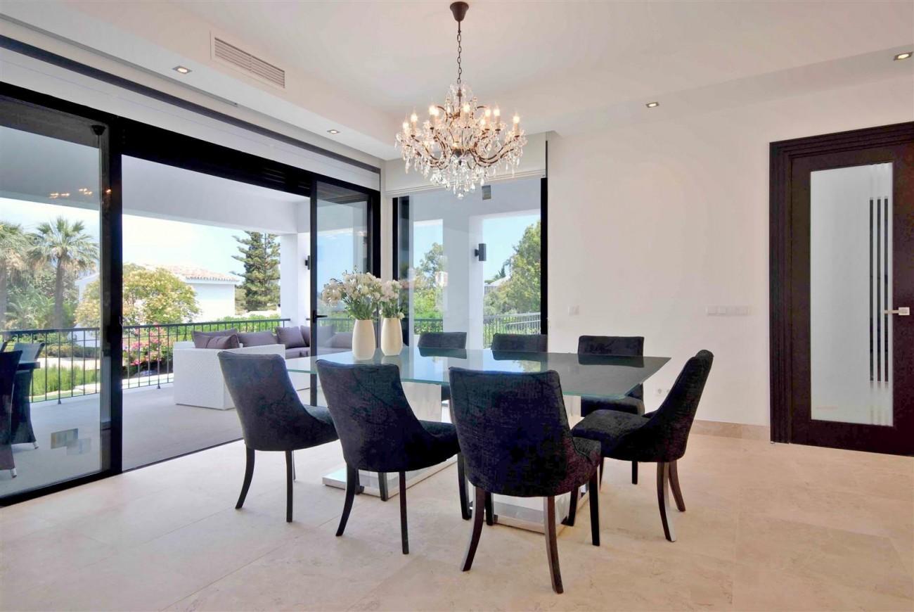 V5323 Luxury villa Nueva Andalucia 07 (Large)