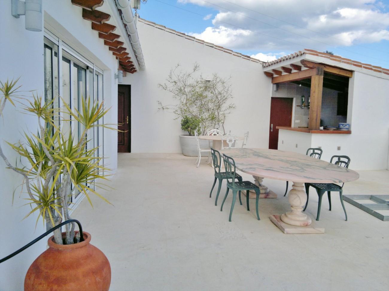 V5327 Luxury villa Mijas 3
