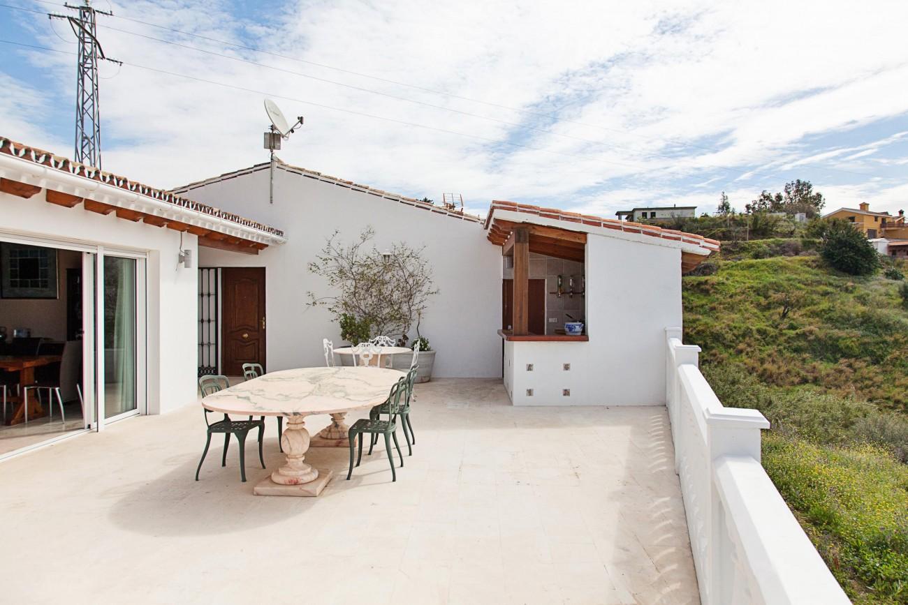 V5327 Luxury villa Mijas 6