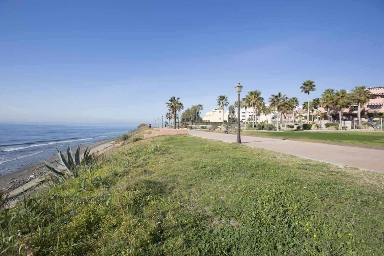 D5331 Luxury beachfront apartments 5