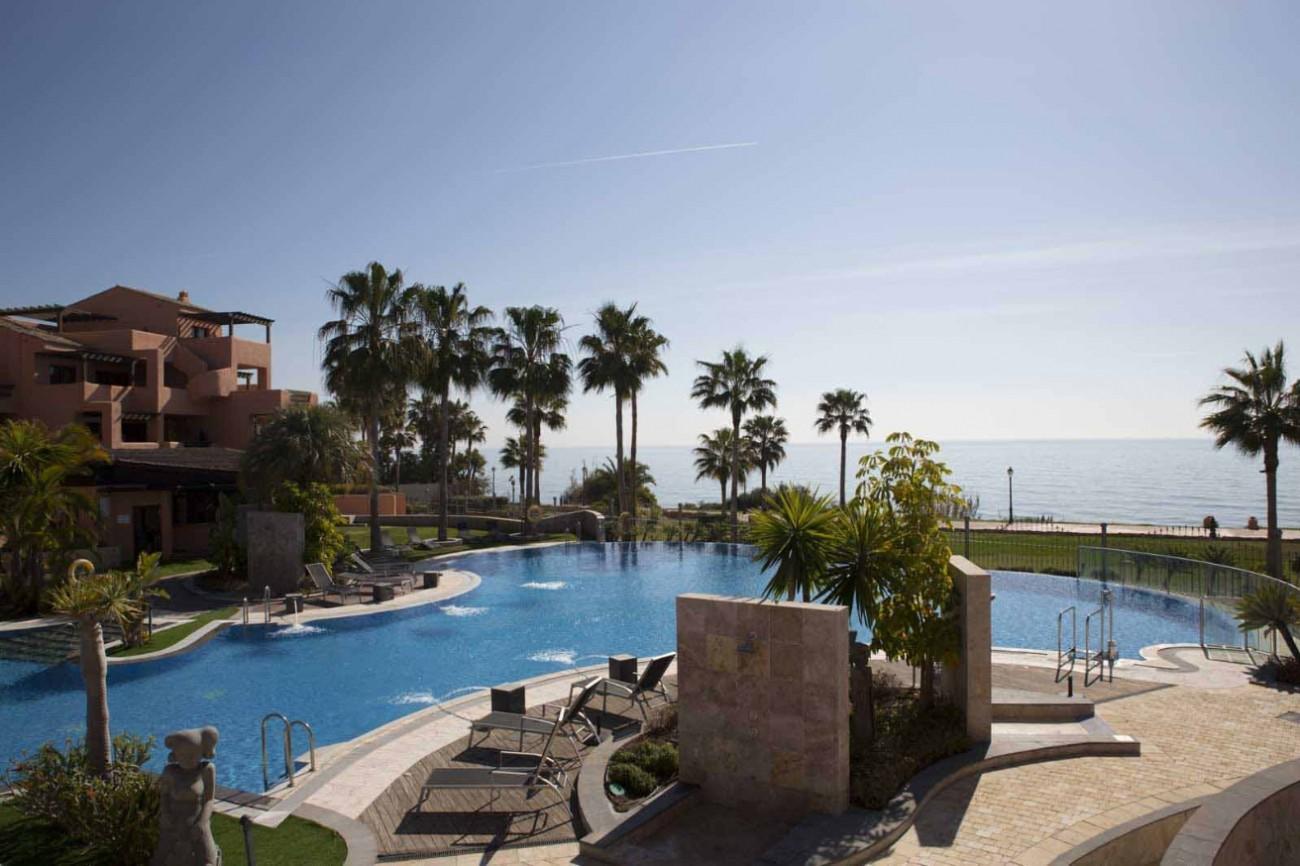 D5331 Luxury beachfront apartments 9