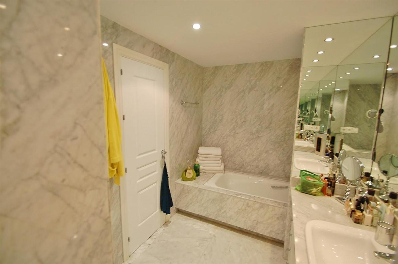A5357 Apartment Puerto Banus 8 (Large)