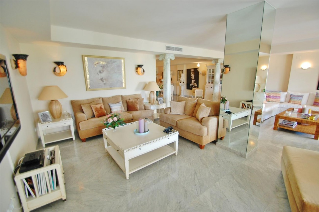 Apartment for sale Puerto Banus Marbella Spain (7) (Large)