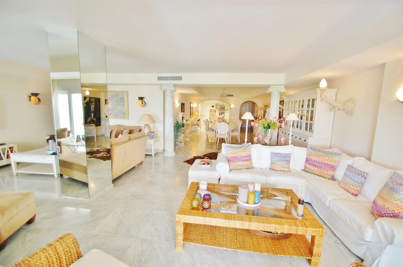 Apartment for sale Puerto Banus Marbella Spain (9) (Large)