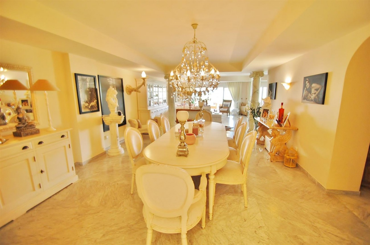 Apartment for sale Puerto Banus Marbella Spain (14) (Large)