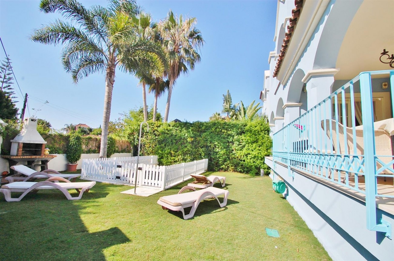 V5358 Beachside villa Puerto Banus 3 (Large)