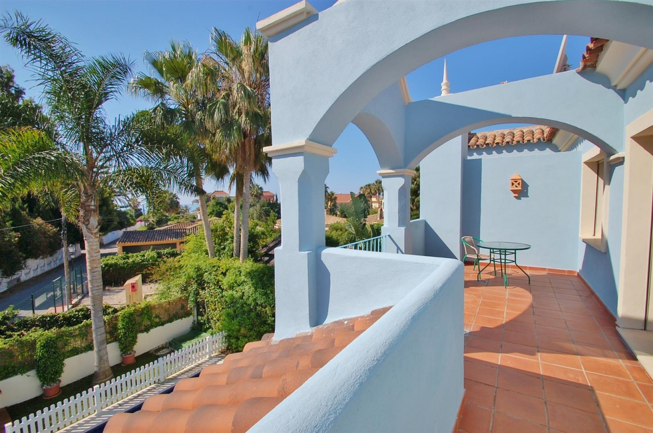 V5358 Beachside villa Puerto Banus 11 (Large)
