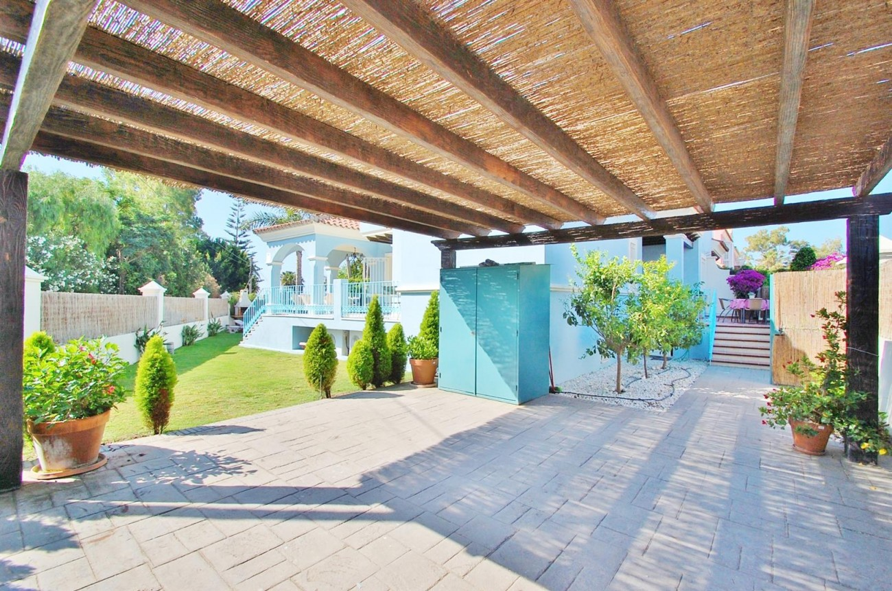 V5358 Beachside villa Puerto Banus 15 (Large)