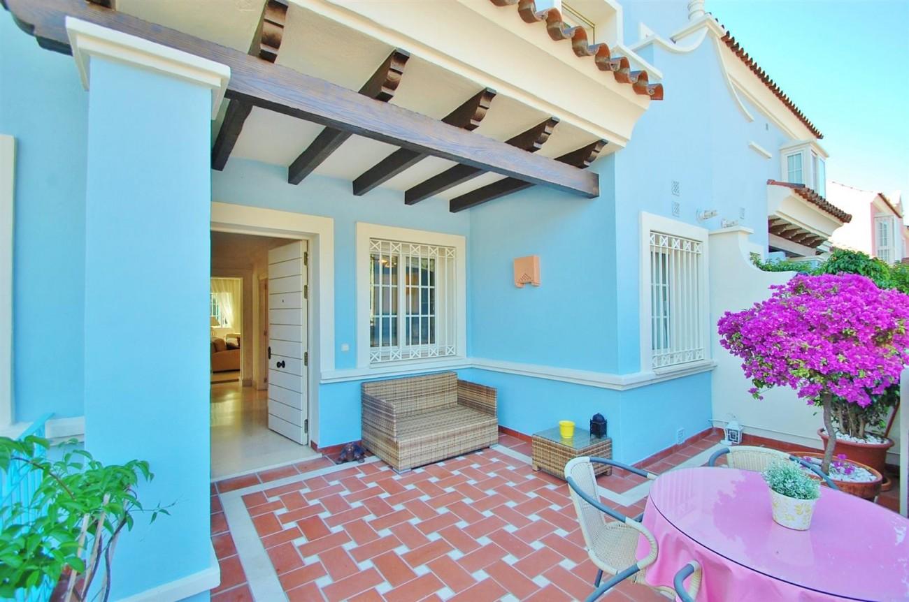 V5358 Beachside villa Puerto Banus 16 (Large)