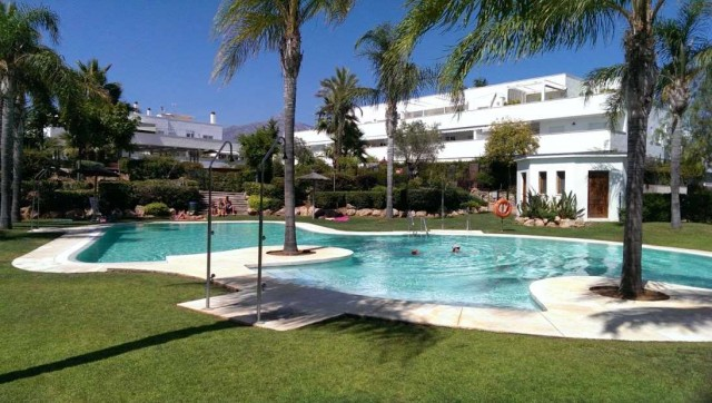 Apartment for Rent - 900€/month - Nueva Andalucía, Costa del Sol - Ref: 5365