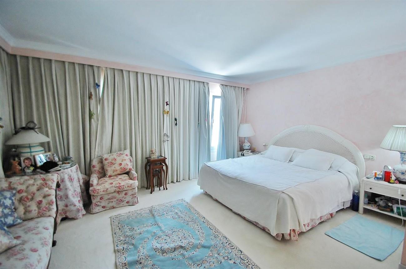 V5371 Villa in Marbella 8 (Large)