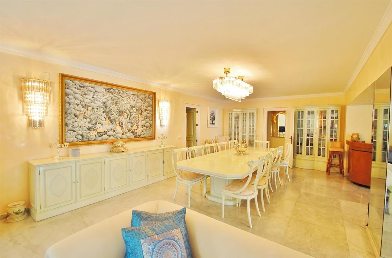 V5371 Villa in Marbella 12 (Large)