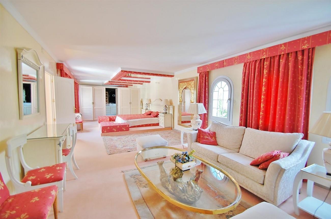 V5371 Villa in Marbella 15 (Large)