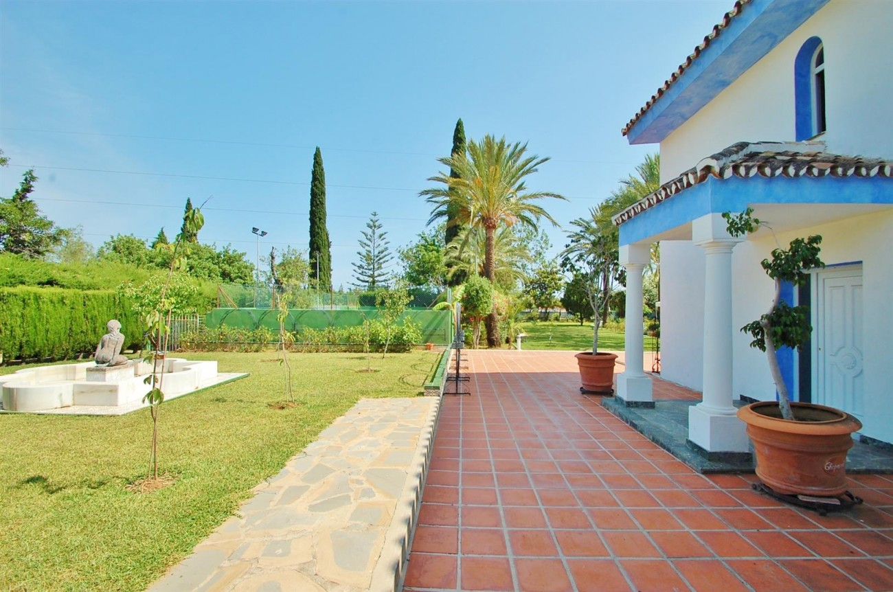 V5371 Villa in Marbella 18 (Large)