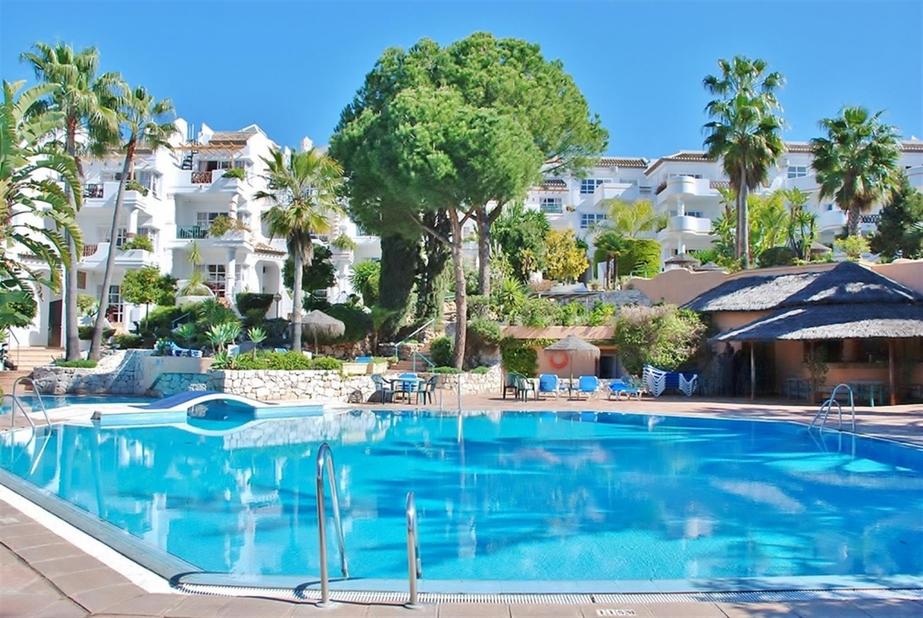 Frontline Golf Apartments Mijas Costa Spain (4) (Large)