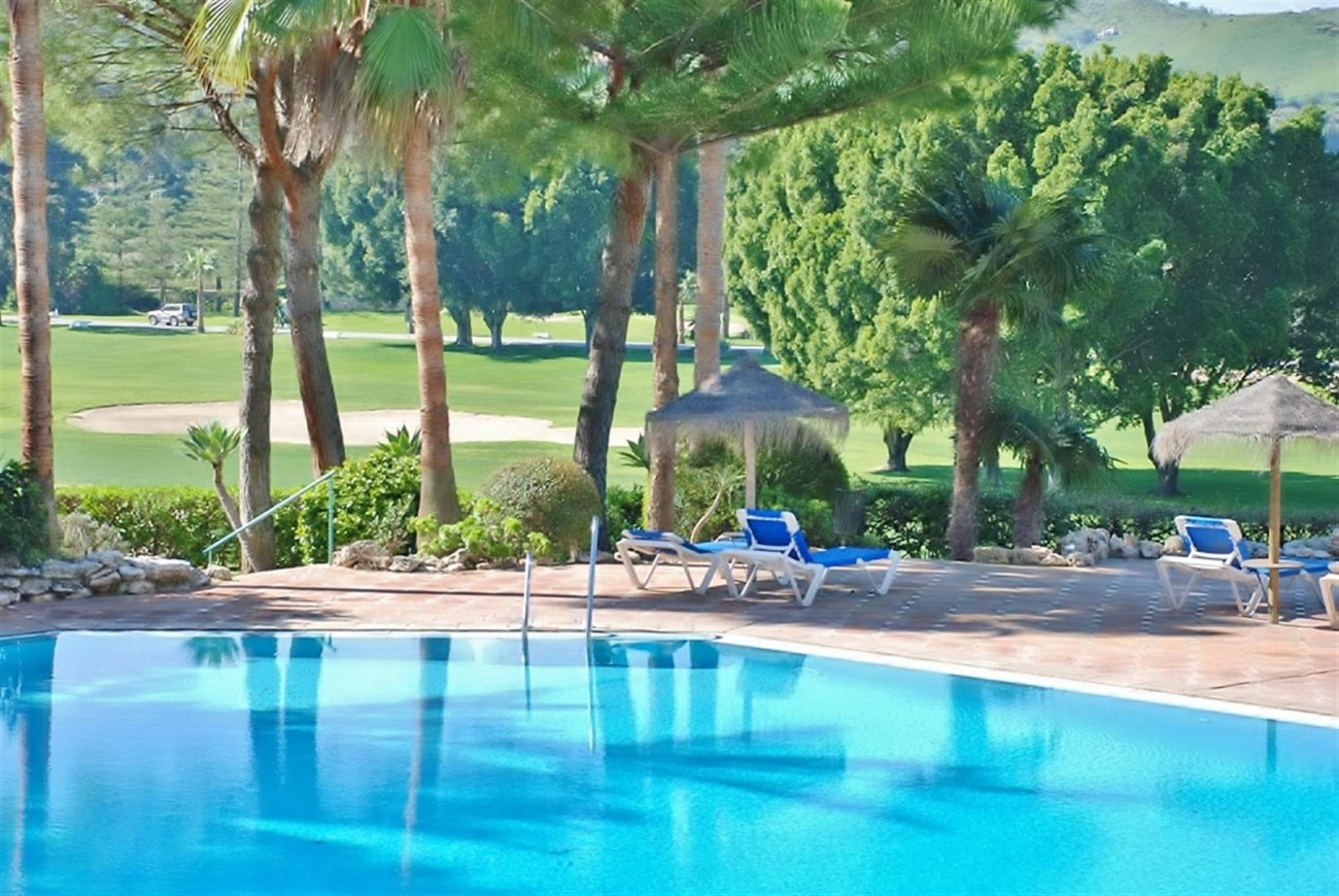 Frontline Golf Apartments Mijas Costa Spain (6) (Large)