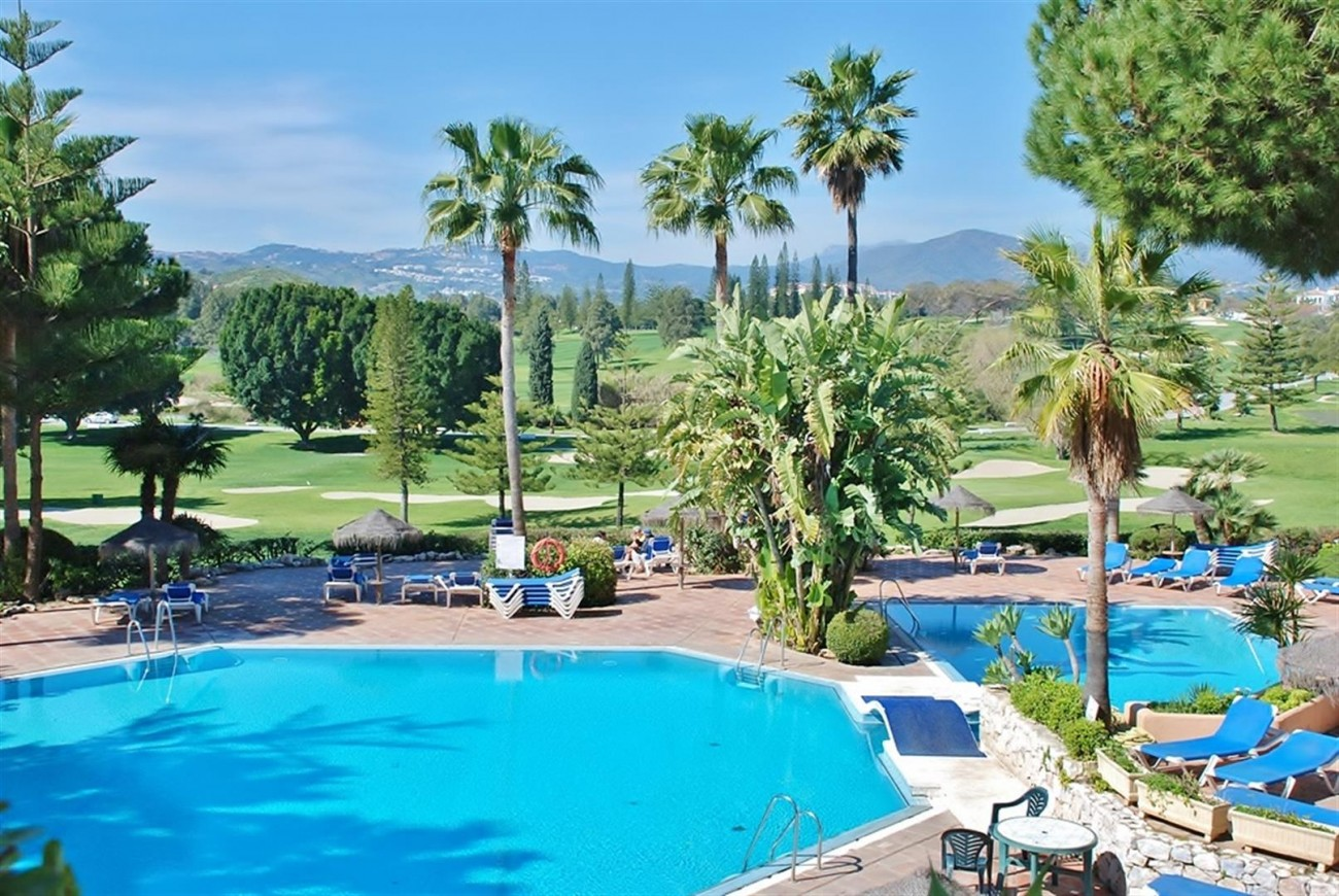 Frontline Golf Apartments Mijas Costa Spain (32) (Large)