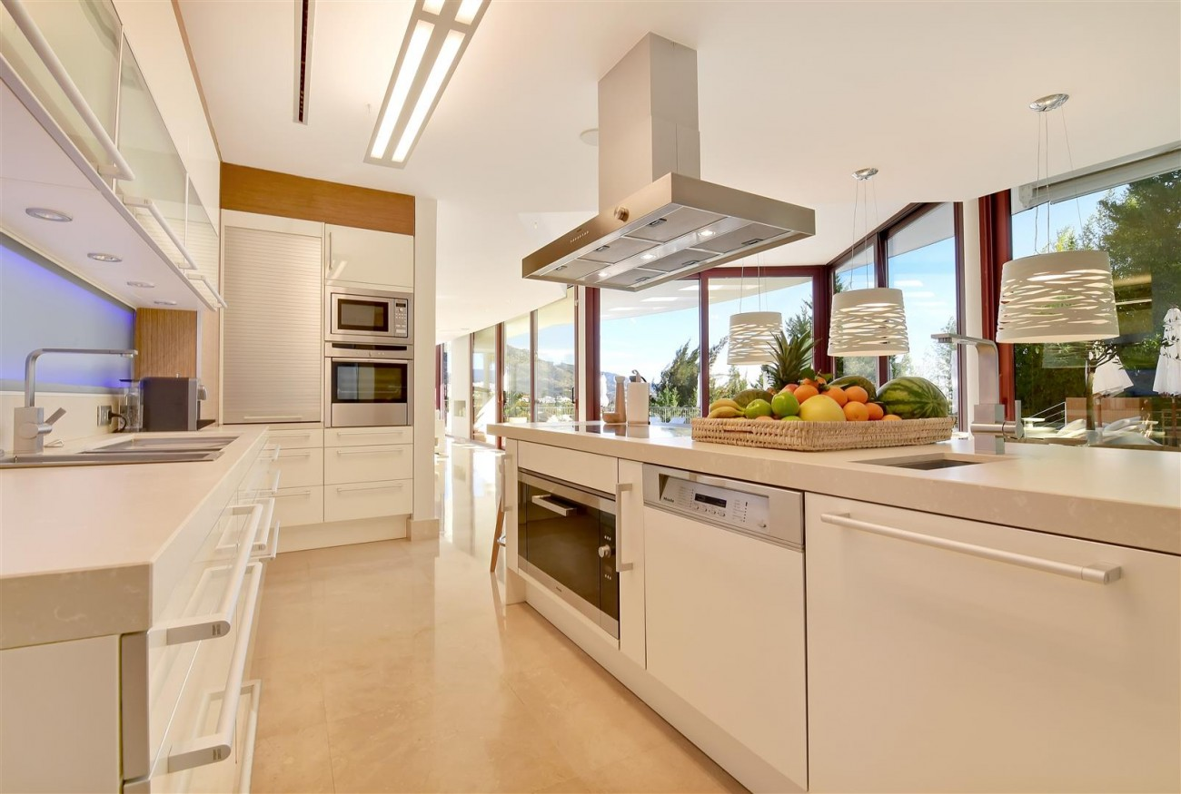 Ultra Modern Villa For Sale Nueva Andalucia marbella Spain (2) (Large)