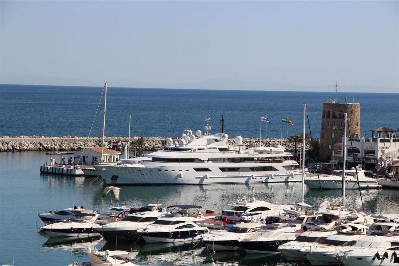 A5385 Penthouse frontline Puerto Banus 2 (Large)