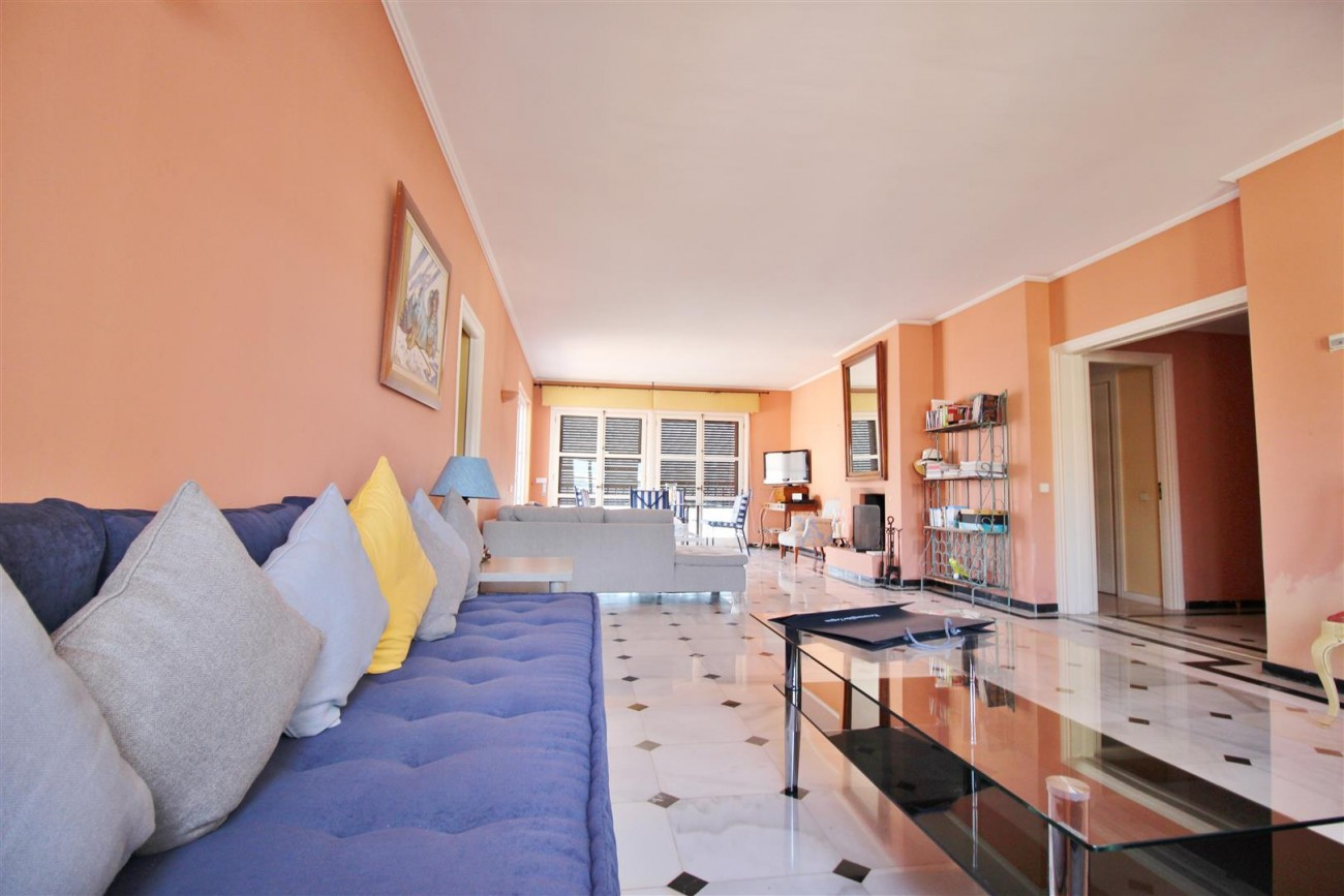 A5385 Penthouse frontline Puerto Banus 7 (Large)