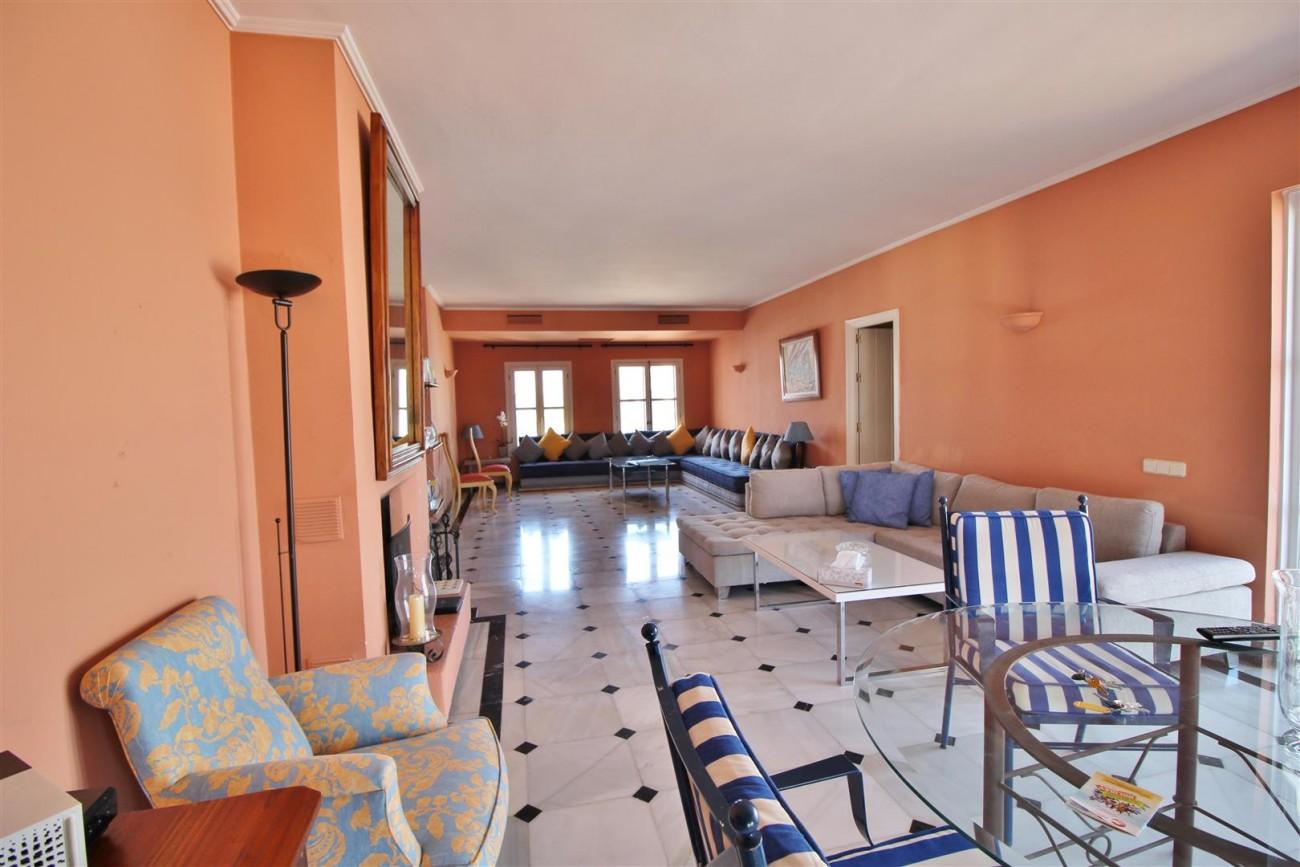 A5385 Penthouse frontline Puerto Banus 9 (Large)