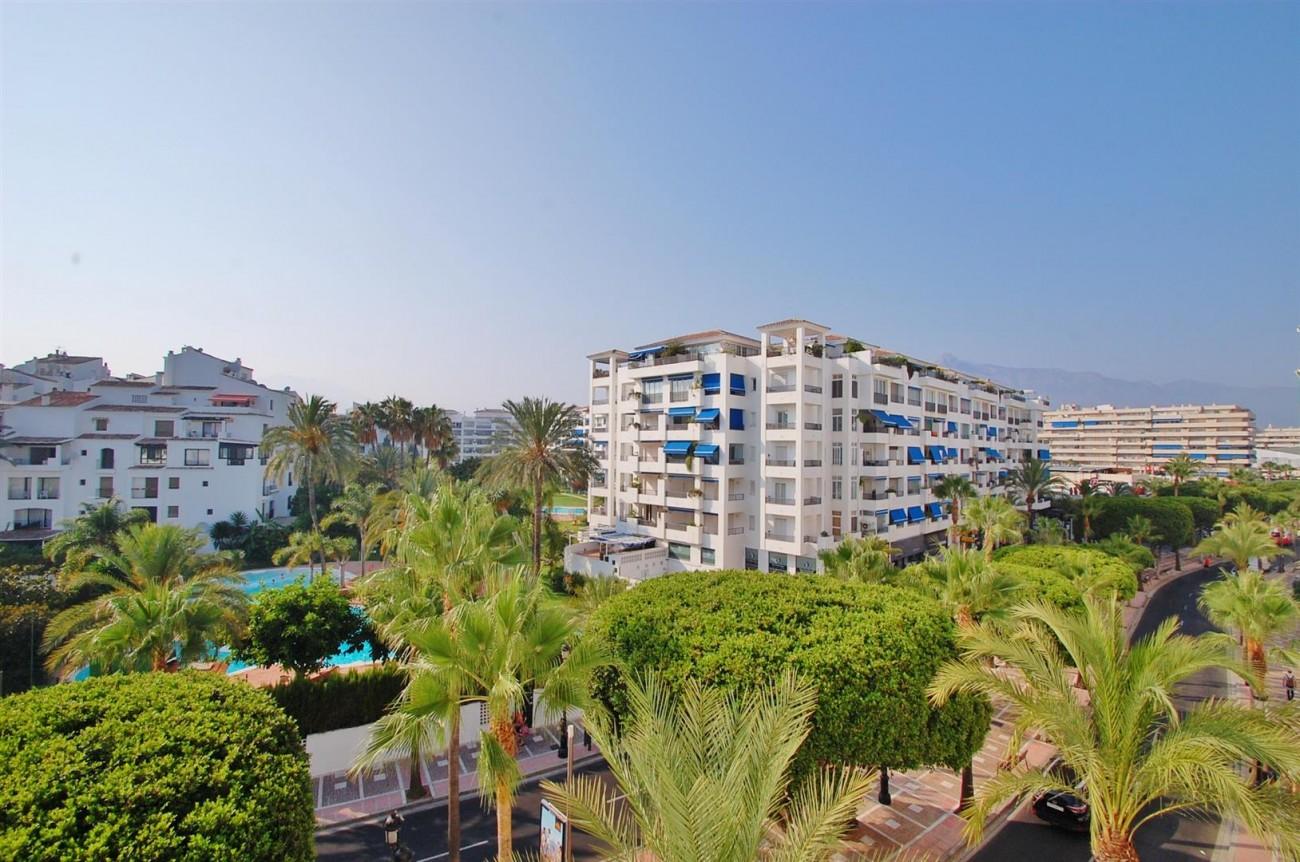 A5407 Spacious Apartment Marbella (1) (Large)