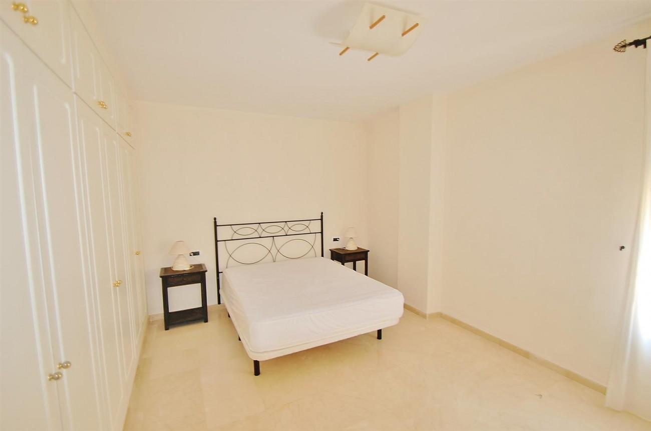 A5407 Spacious Apartment Marbella (2) (Large)