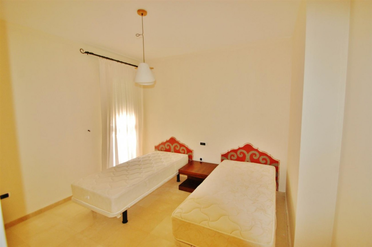 A5407 Spacious Apartment Marbella (4) (Large)