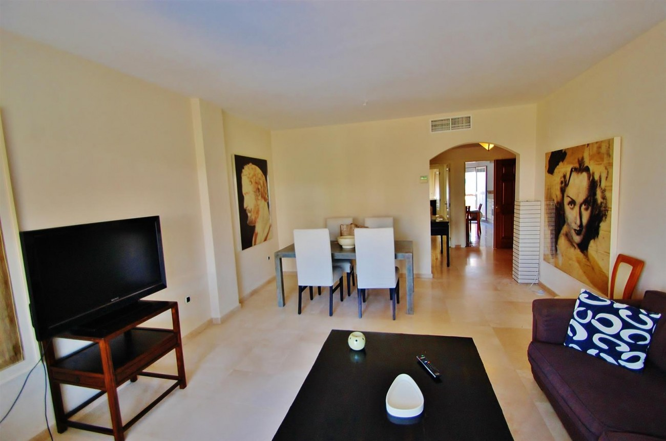 A5407 Spacious Apartment Marbella (7) (Large)
