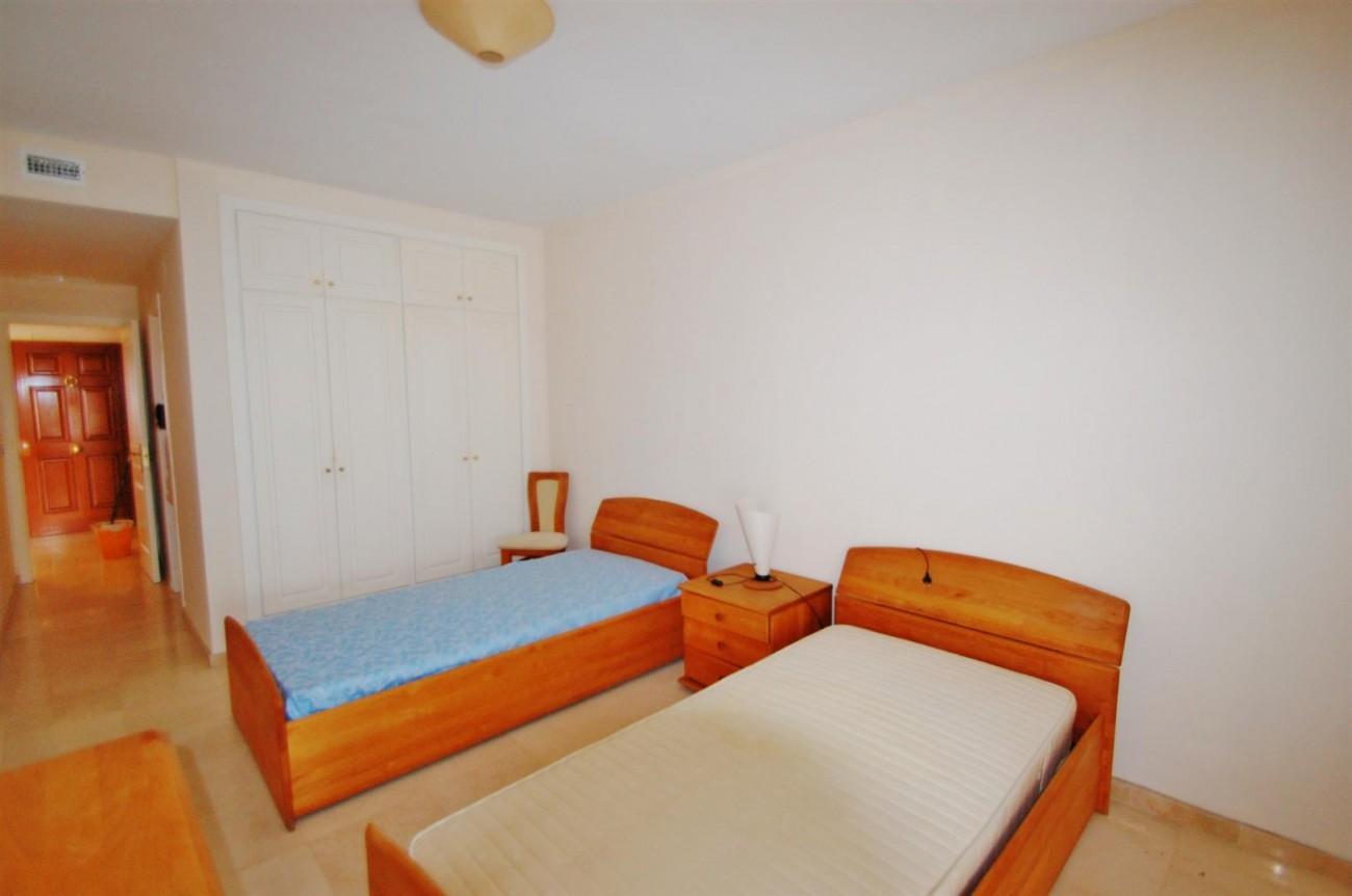 A5407 Spacious Apartment Marbella (10) (Large)